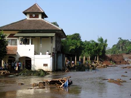 masjid-jabalurrahman2