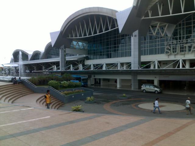 Bandara Sultan Hasanuddin Makassar yang megah