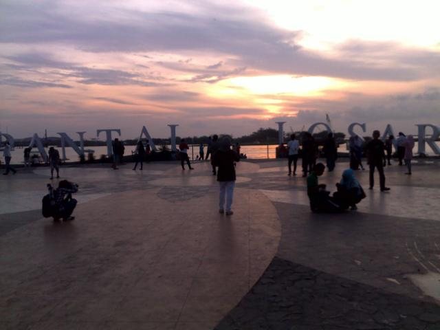 Sunset tampak dari boulevard