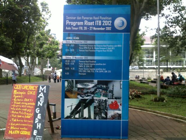 Baliho pameran poster