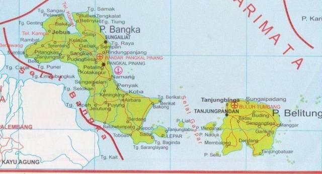 Kepuluan Bangka dan Belitung, di sebelah timur Pulau Sumatera