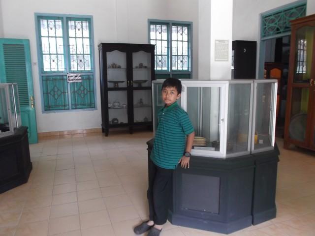 Barang-barang yang dipamerkan di dalam museum