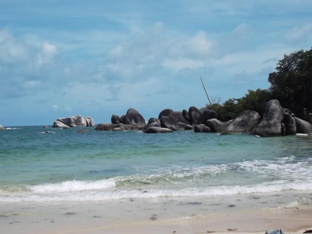 Pantai Tanjungtinggi yang indah