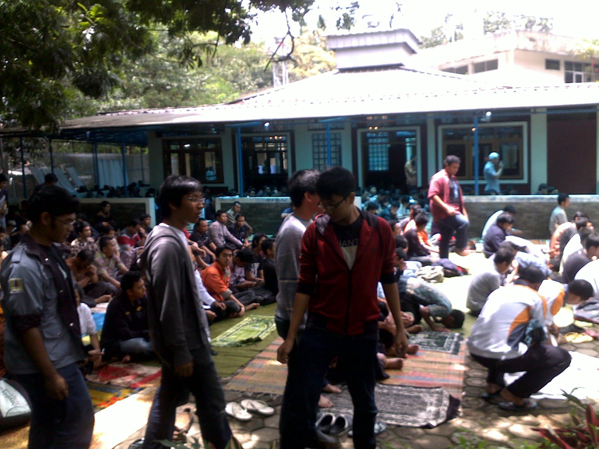 Pengalaman Shalat Jumat Di Masjid Pdam Bandung Catatanku