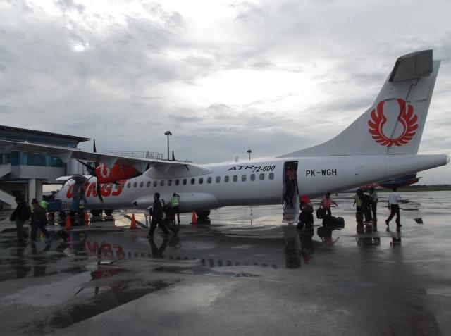 Pesawat kecil Wings Air yang melayani Denpasar-Lombok pp.