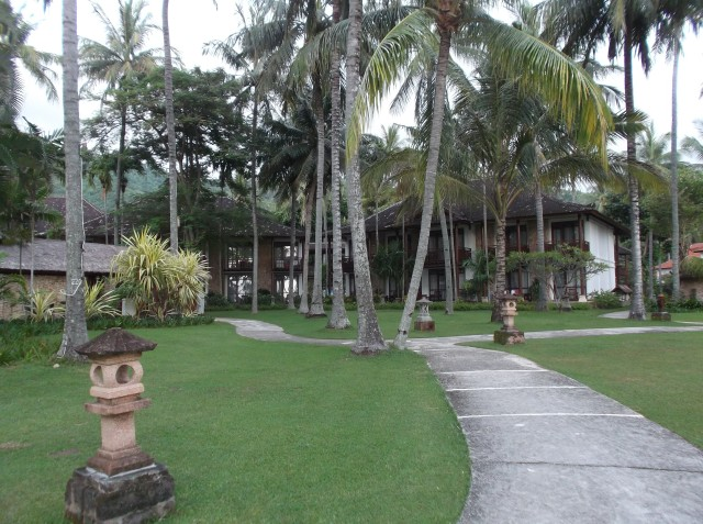 Sebuah resort yang nyaman di pinggir pantai