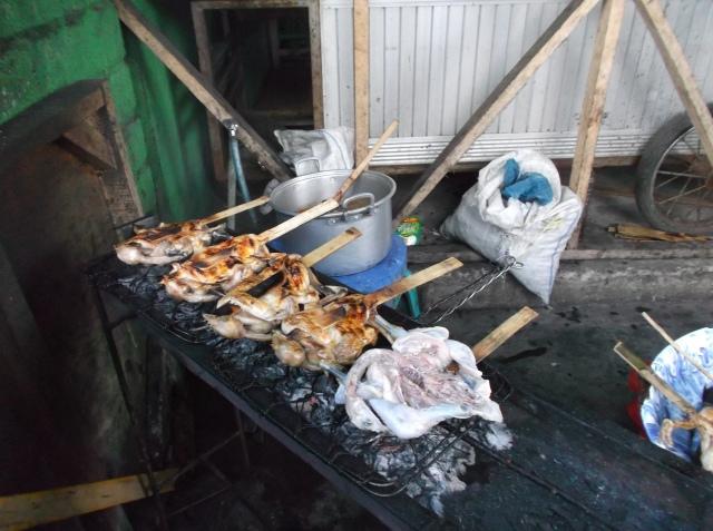 Ayam taliwang sedang dibakar