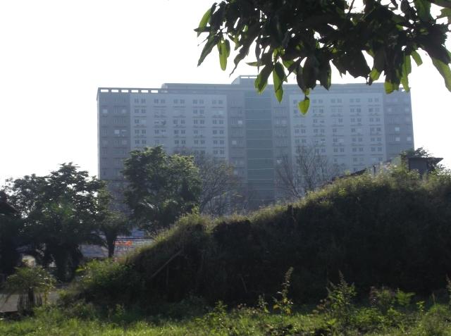 Sebuah apartemen di samping kampus UB.