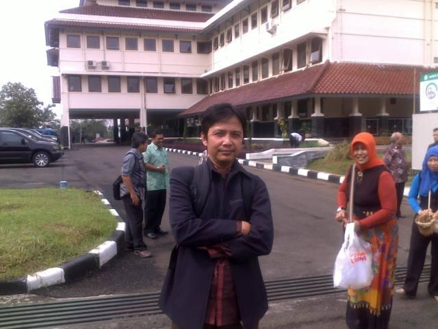 Foto narsis di kampus ITB Jatinangor.