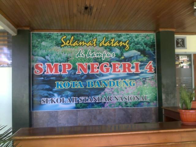 Memang bukan SMP ex RSBI, tetapi SMP berstandar nasional.