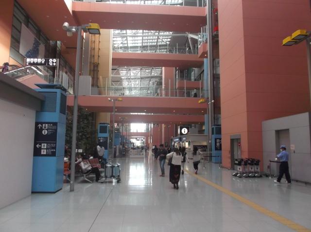 Terminal kedatangan di Kansai Airport
