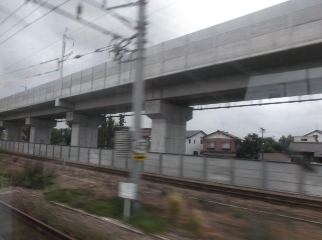 Jalur layang khusus kereta Shinkansen.