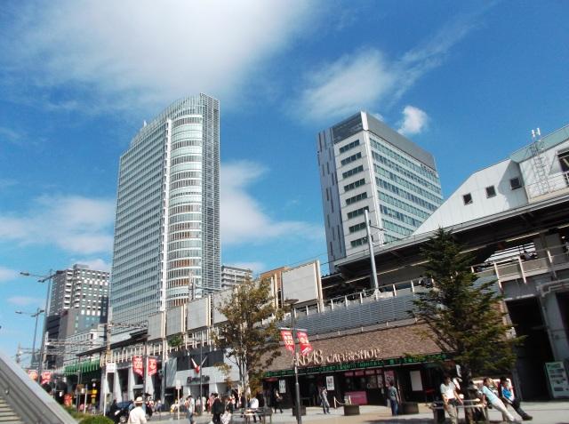 Kawasan Akihabara. Ada kafe AKB48 lho di sini.