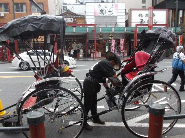 Becak tradisionil Jepang