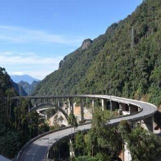 Jembatan layang Kelok sambilan (Sumber: http://finance.detik.com/read/2013/10/18/093709/2388988/4/sby-resmikan-jembatan-layang-kelok-sembilan-akhir-bulan-ini)
