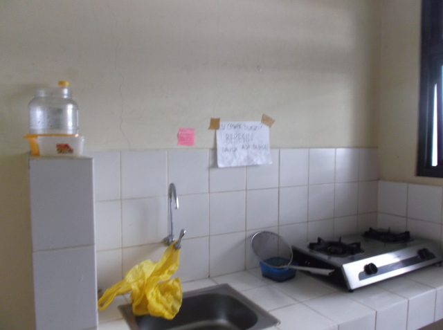 """Dapur di dalam ruang """"common"""""""