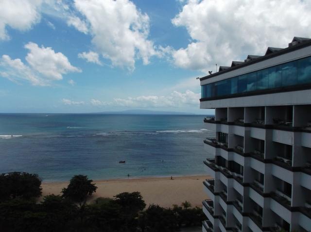 Pemandangan lain Pantai Sanur dari atas hotel