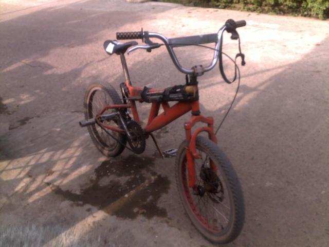 Sepeda kecil Mang Tata