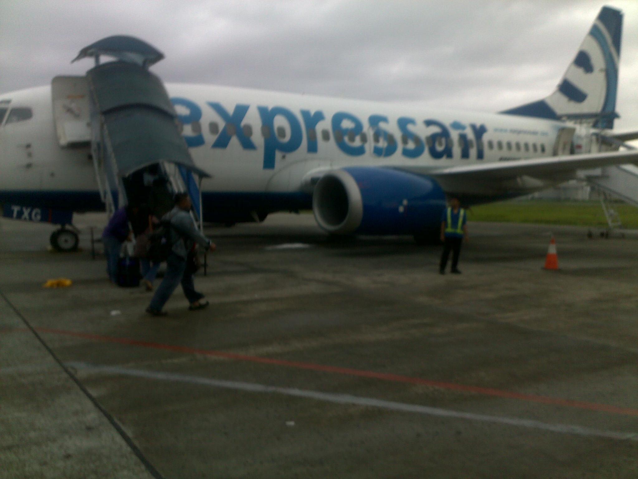 pesawat yang saya naiki ukurannya tidak terlalu besar kira kira
