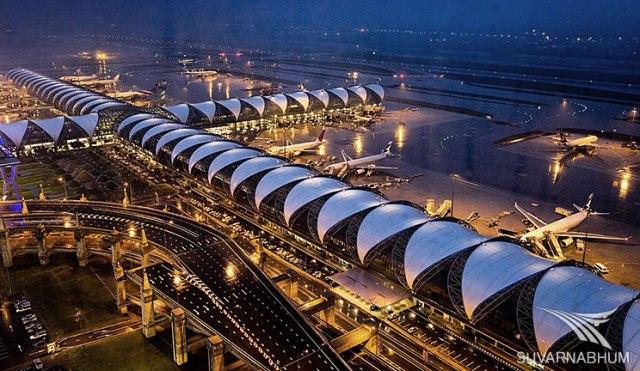 Bandara Suvarnabhumi tampak dari atas (Sumber: http://blistonresidence.blogspot.com/2013/08/suvarnabhumi-named-5th-best-airport-in.html)