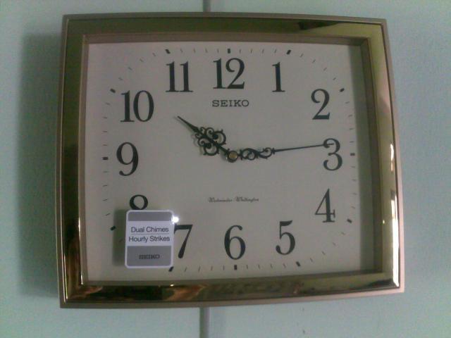 Jam dinding SE*KO yang baru saya beli
