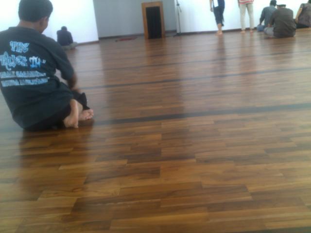 Lantai dari kayu