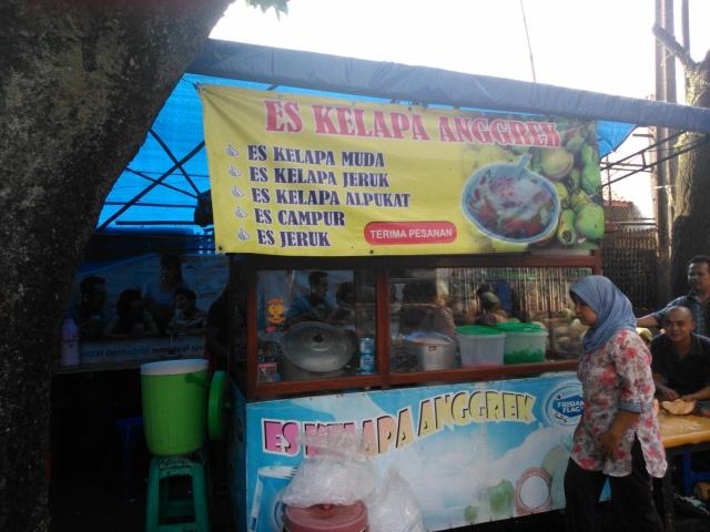 Kedai Es Kelapa Anggrek