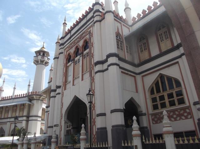 Pintu masjid dari belakang