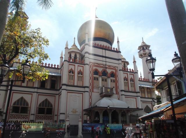Foto lain dari belakang masjid