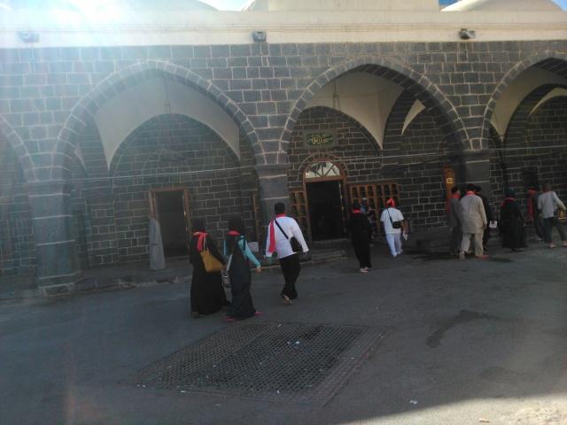 Masjid Al-Ghamamah tidak pernah dipakai lagi sebagai tempat sholat berjamaah karena sudah ada Masjid Nabawi di depannya.