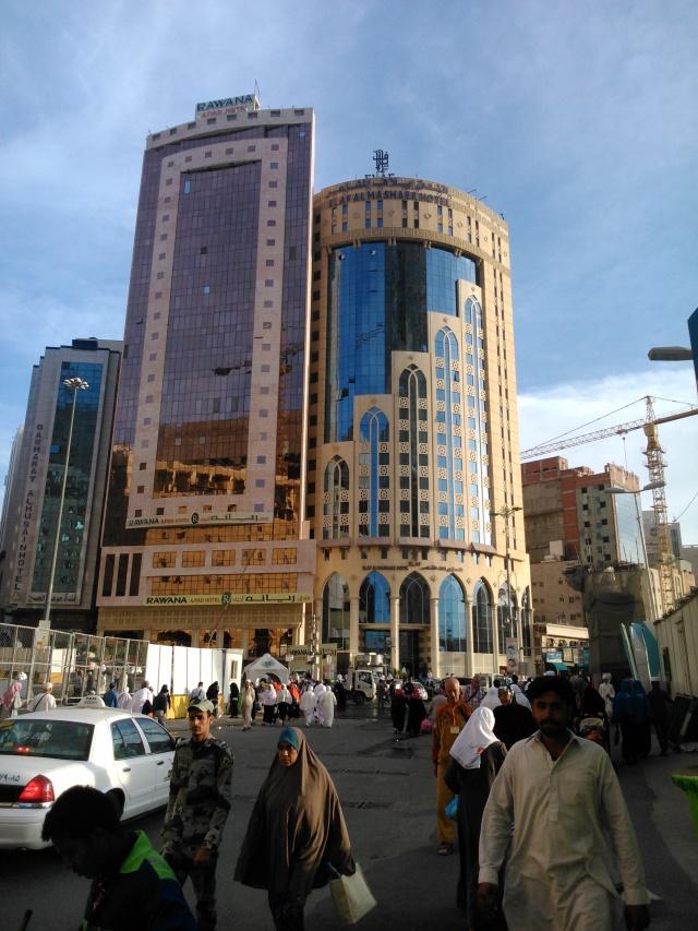 Hotel Elaf El Mashaer tempat kami menginap, 300 meter dari Masjidil Haram