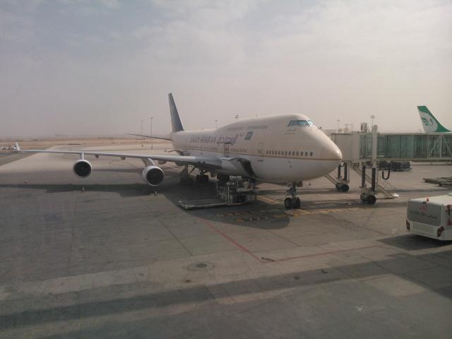Pesawat Saudi Arabian yang membawa jamaah pulang ke Tanah Air