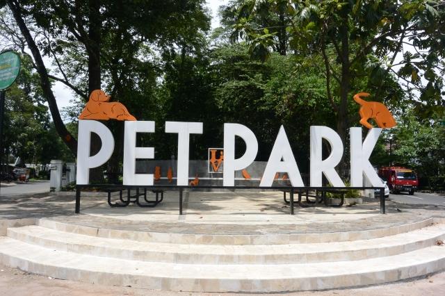 Taman hewan peliharaan (Sumber foto:  http://blog.hi-indonesia.com/taman-taman-cantik-di-kota-bandung/)
