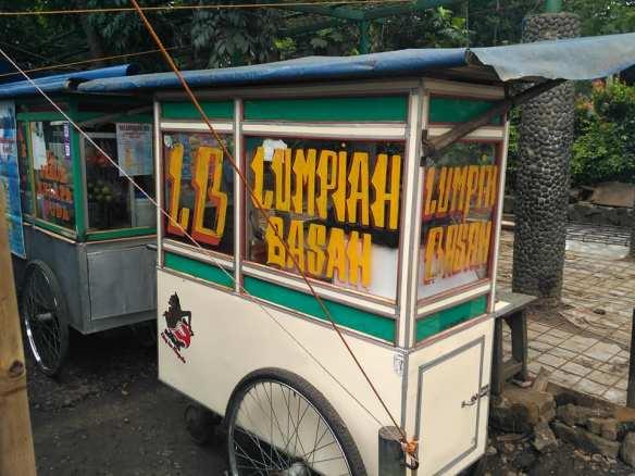 "Lumpiah Basah Jalan Ganesha yang ""Ngangenin"" Alumni ITB | Catatanku"